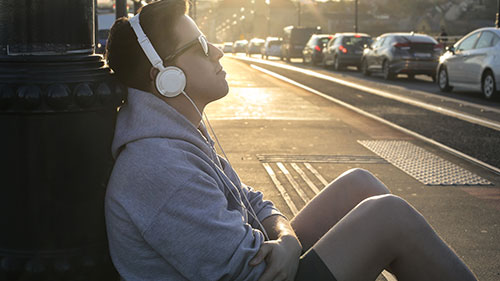 Many people listen to music every day. From your commute to work in the car to your daily workout at the gym, tunes are always playing in some form or another.