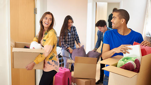 To start your college experience on a frugal foot, consider the following tips to help you save as much as you can on your college move.