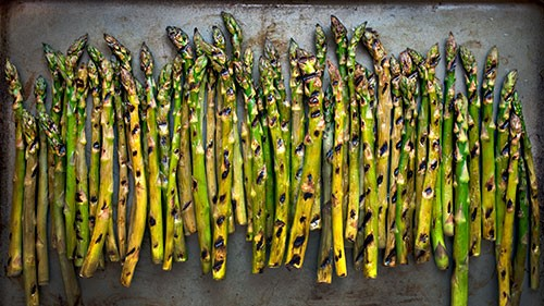 This year, why not add vegetables next to those slabs of seasoned meat? These delicious vegetables are perfect for grilling and will enhance any meal with their robust flavors.