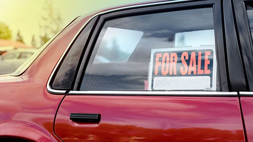 One of the most common concerns regarding the car buying process is whether to buy new or used, since each option carries with it a number of benefits and drawbacks.